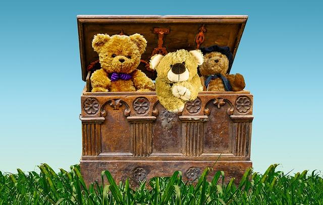 hračky v truhle