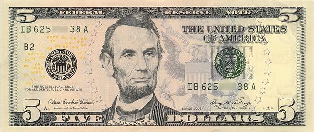 5 dolarů s Lincolnem